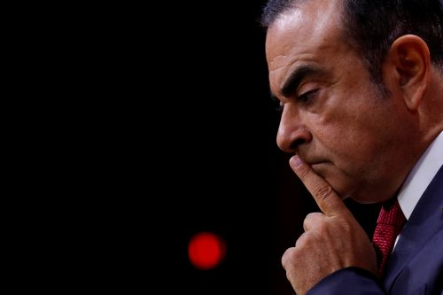 Carlos Ghosn menacé d'arrestation au Japon, l'action Renault s'effondre à Paris