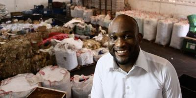 Africa Global Recycling, la PME togolaise qui transforme les déchets en or